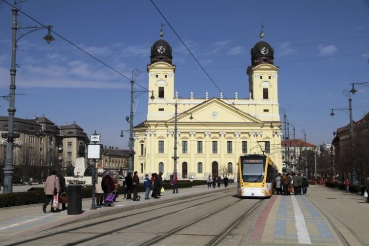 A világon egyedülálló bélyeg is látható Debrecenben