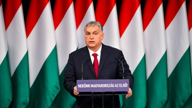 Orbán Viktor szerint a liberális diplomás kommunista