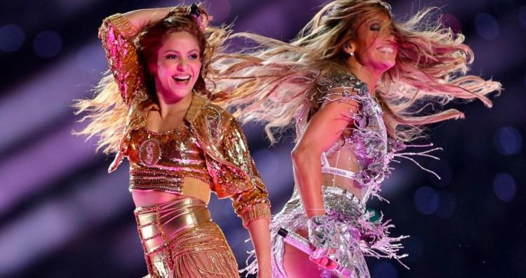Jennifer Lopez és Shakira fergeteges erotikus showja – VIDEÓ!