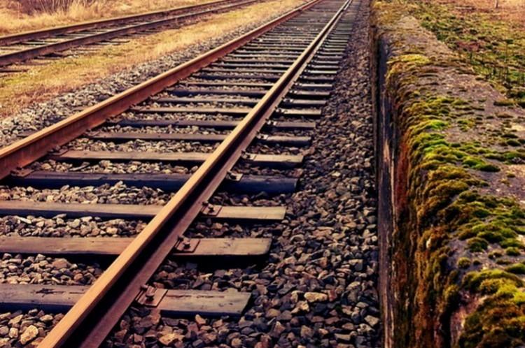 Gázolt a vonat Püspökladány közelében