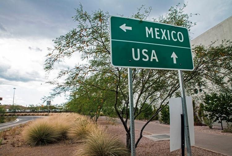 Az amerikai-mexikói határról üzent a volt debreceni képviselő