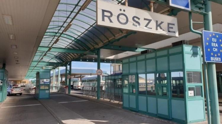 Szerbia lezárta határátkelőhelyeit a személyforgalom előtt