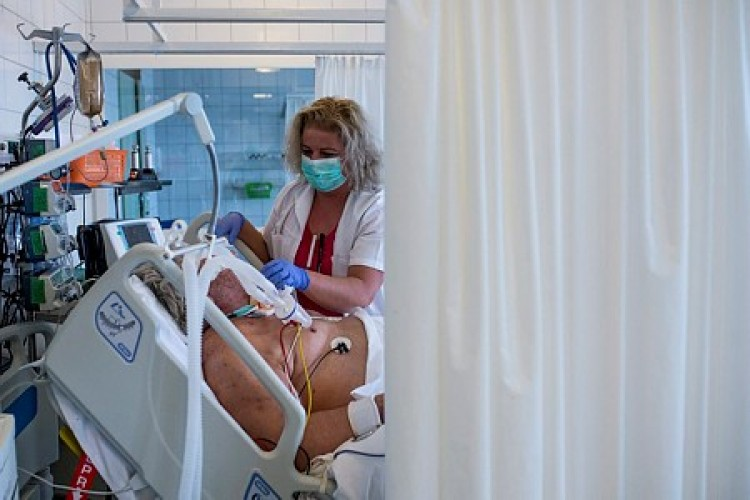 Harminckilenccel nőtt az ismert fertőzöttek száma Magyarországon