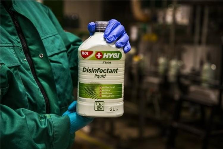 Fertőtlenítőszert gyártanak a MOL egyik üzemében