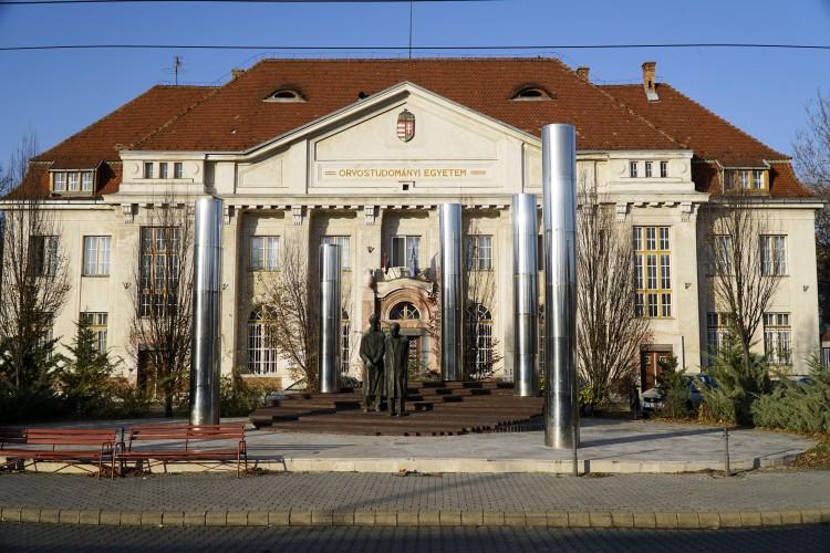 Minden nem sürgős beavatkozást elhalasztanak Debrecenben