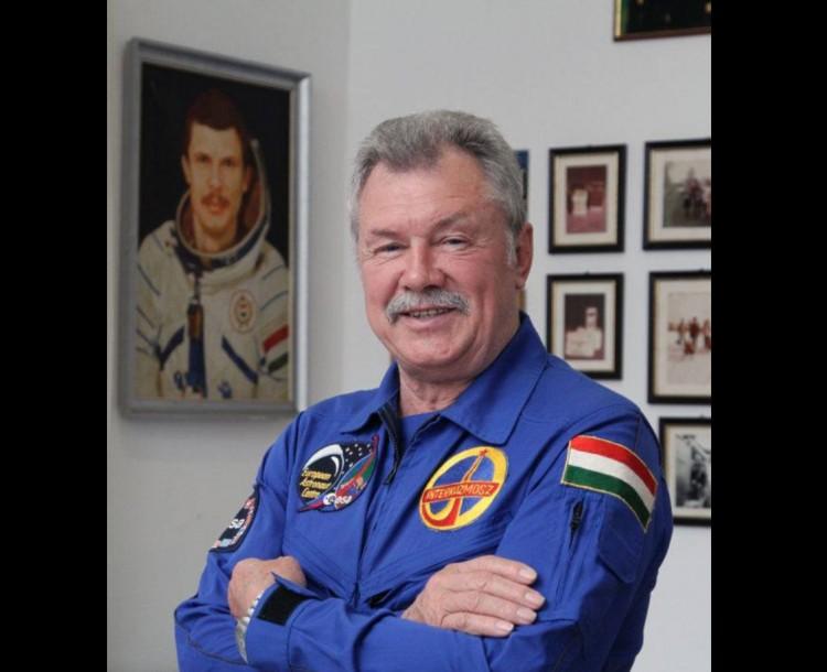 Űrhajós érkezik Hajdúböszörménybe