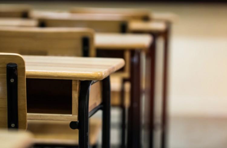 A Jobbik az iskolák és óvodák bezárását kéri
