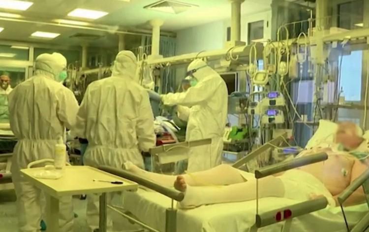 Drámai rekord: 969 halott egy nap alatt Olaszországban