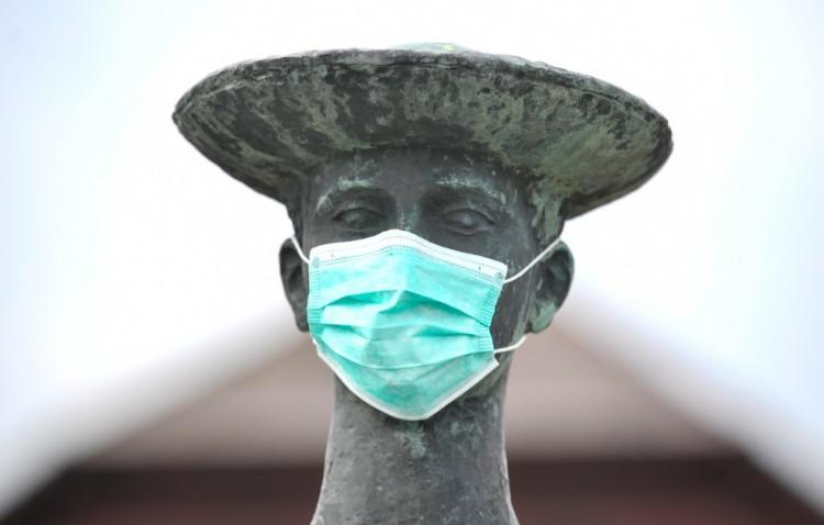 Újabb két halott, 400 fölött a fertőzöttek száma Magyarországon