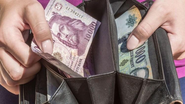 A fogyasztóvédelmi hatóság folyamatosan nézi az árak alakulását