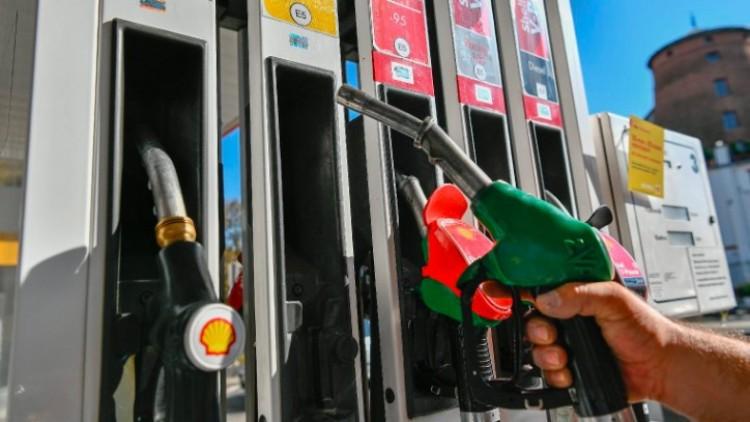 Az üzemanyagok ára lejtmenetben