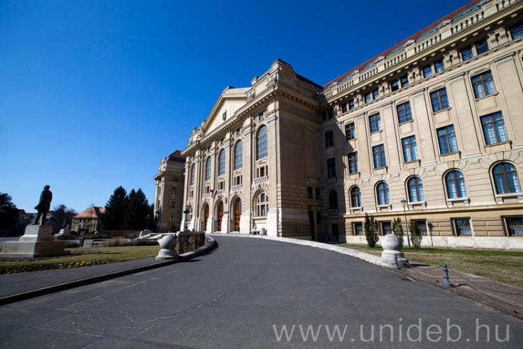 Járványügyi kiadások: 650 millió forintos keret a Debreceni Egyetemen