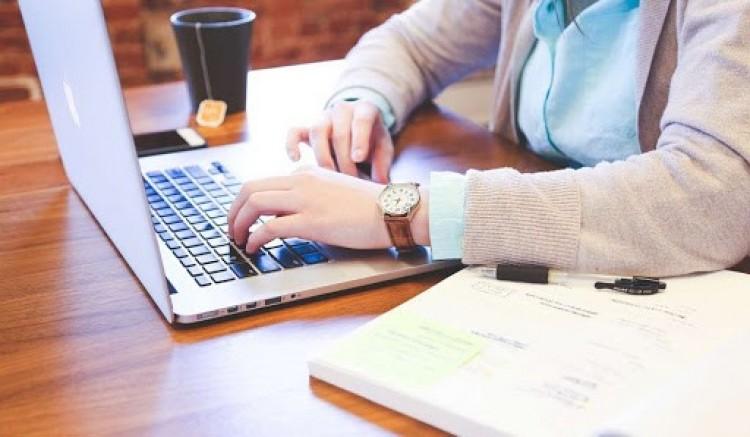 Az online és a telefonos ügyintézést ajánlja a NAV