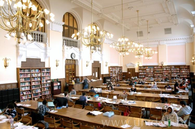 A Debreceni Egyetem könyvtára zárva, de szolgáltatásai online elérhetők