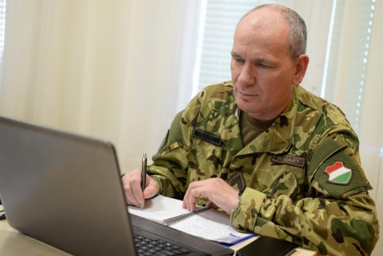 Debrecenben is munkába állt a kórházparancsnok