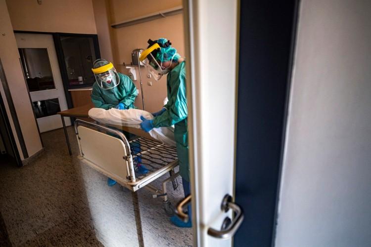 Koronavírus: 75,6 év az elhunytak átlagéletkora