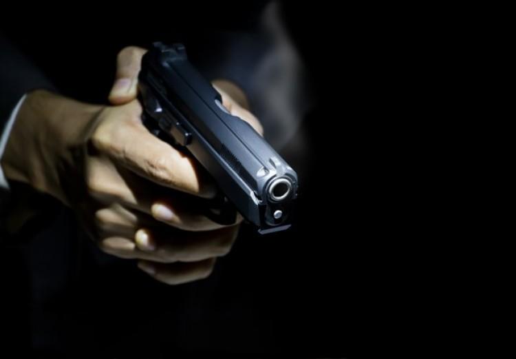 Fegyvert fogtak rendőrökre Debrecenben