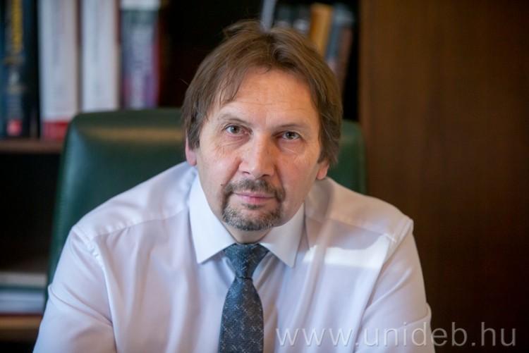 Tanácsot ad a szívbetegeknek a Debreceni Egyetem professzora