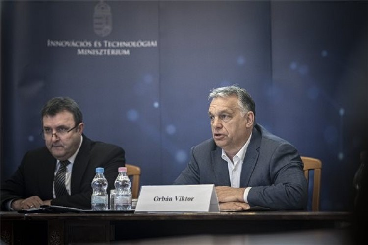 Orbán Viktor: a járvány hosszú lesz