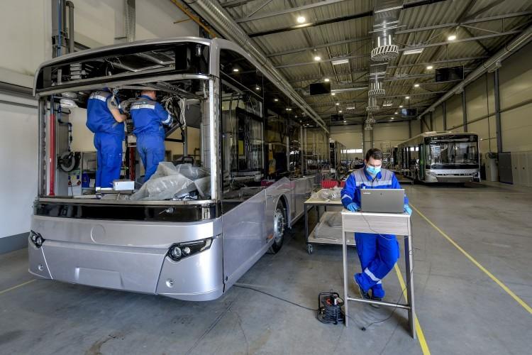 Debrecenben újraindult az autóbuszok gyártása