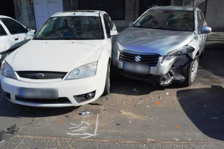 Parkoló autóknak ütközött egy sofőr Debrecenben