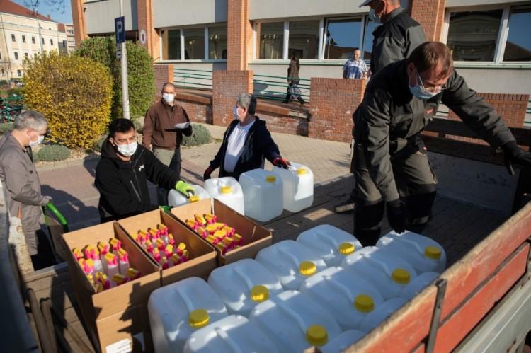Vírusirtás Debrecenben: újabb szállítmány érkezett!