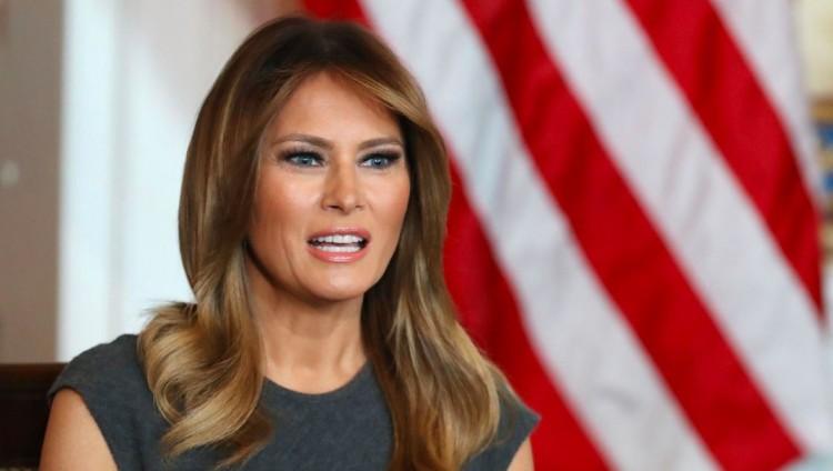A first lady ötven gyertyát fúj el