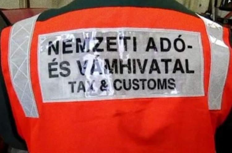 Hamis termékekkel bukott le a román nő Hortobágyon