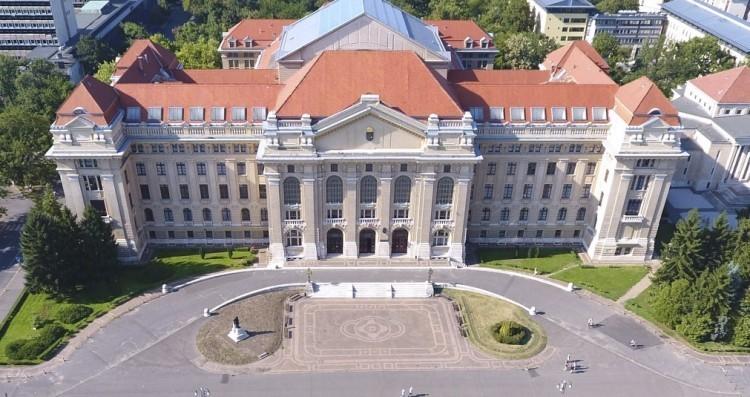 A Debreceni Egyetem minden támogatást megkap a veszélyhelyzet kezeléséhez