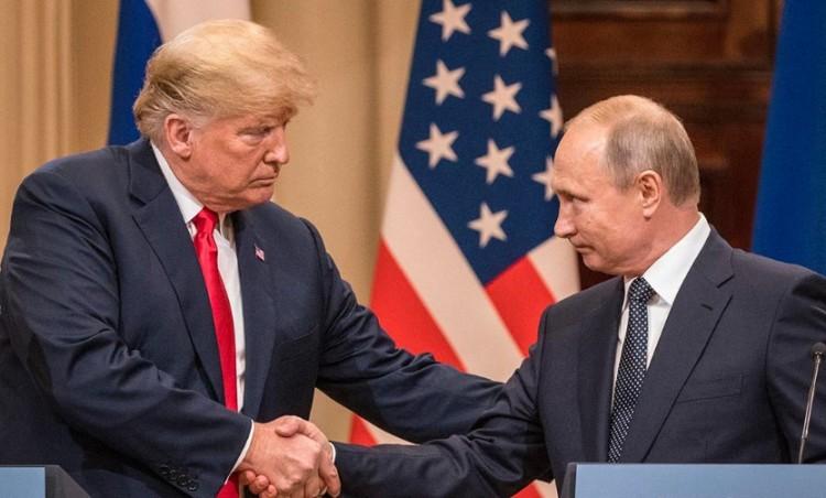 Orosz segélyszállítmány tart az USA-ba. Változik a világ!