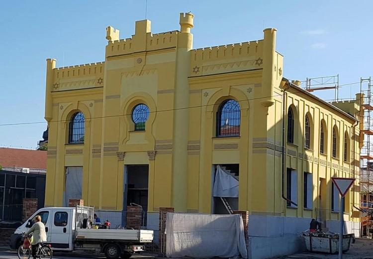 Látványosan szépül a berettyóújfalui zsinagóga