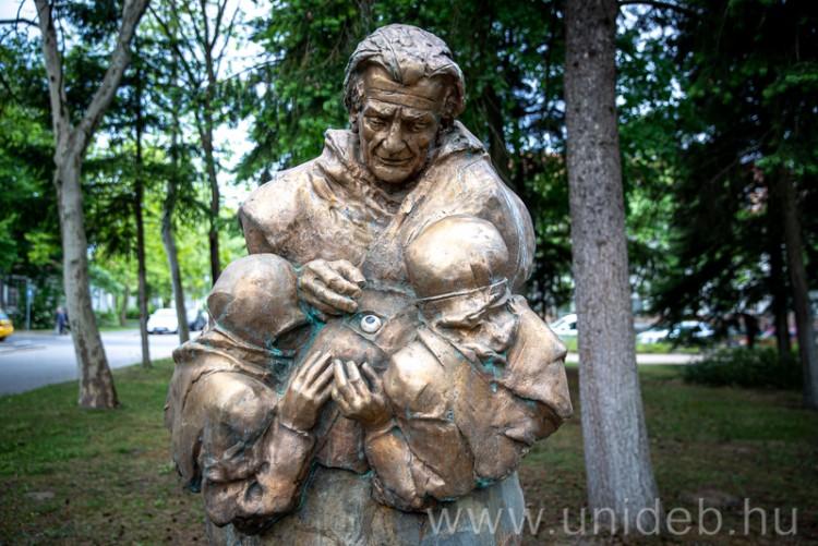 Régi pompájában látható a klinikatelepi szoborpark Debrecenben