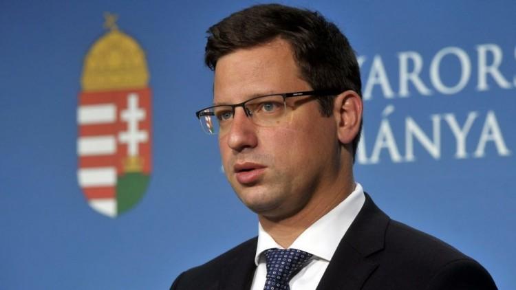 Gulyás: Magyarország bezárja a tranzitzónákat