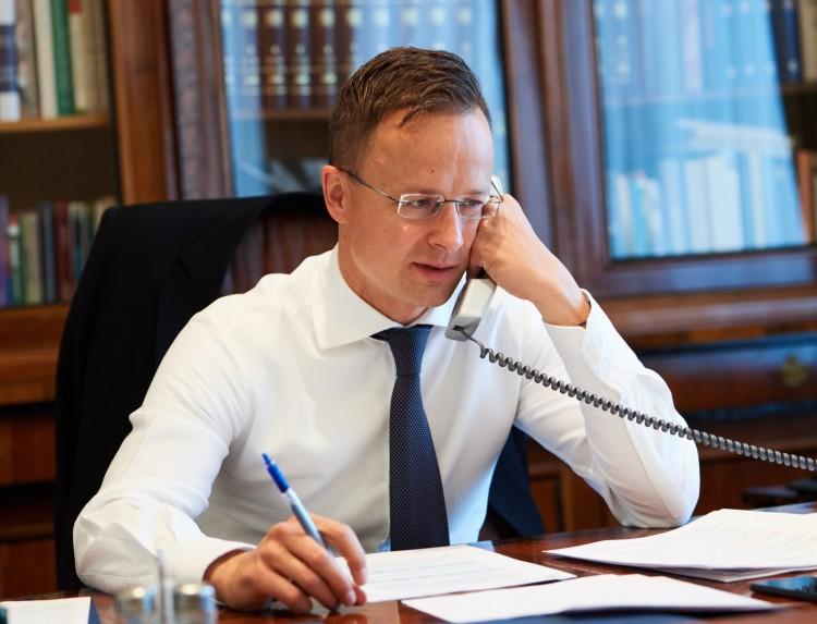 Külügyminiszter: fel kell oldani a határzárakat