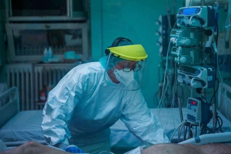 Két idős beteg a koronavírus pünkösdi áldozata