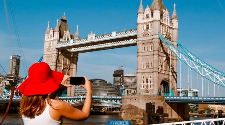 Kéthetes karantén vár a Nagy-Britanniába látogatóknak