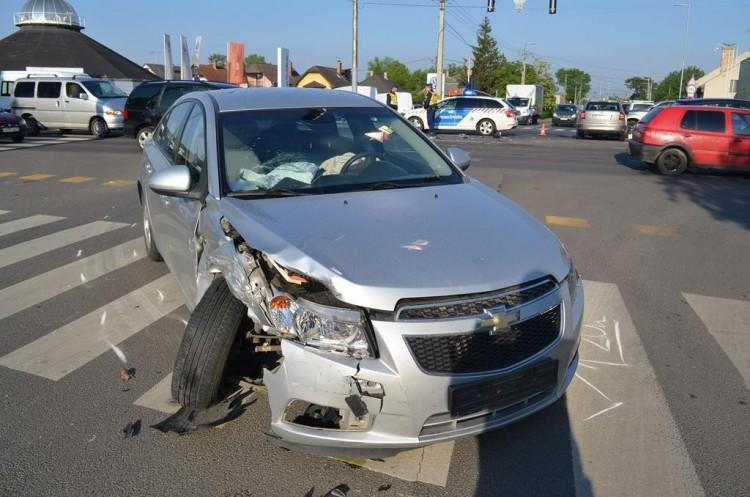 Pár óra alatt három közlekedési baleset történt Debrecenben
