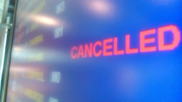 Nincs mese: vissza kell utalni a törölt járatok árát