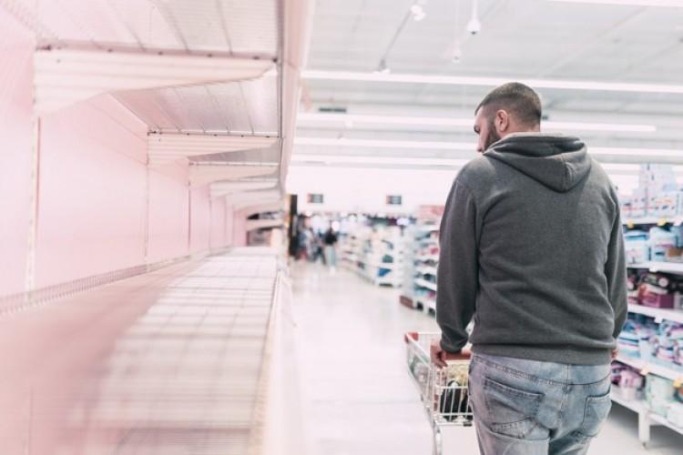 Hogyan vezethet önbeteljesítő jóslathoz az üres bolti polcok látványa?