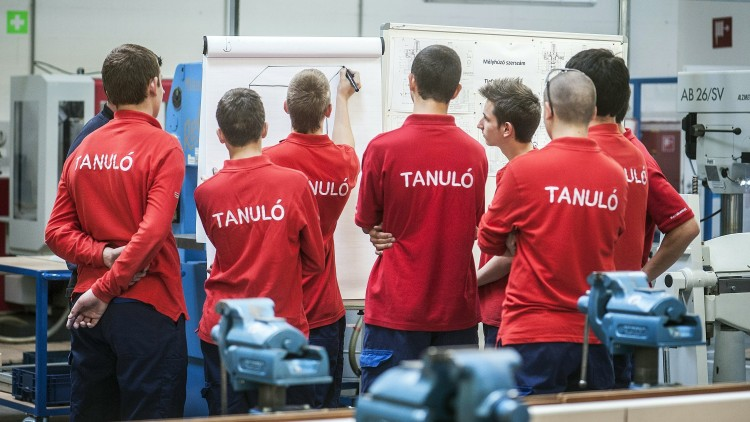 Innovatív képzéseket indít a Debreceni Szakképzési Centrum