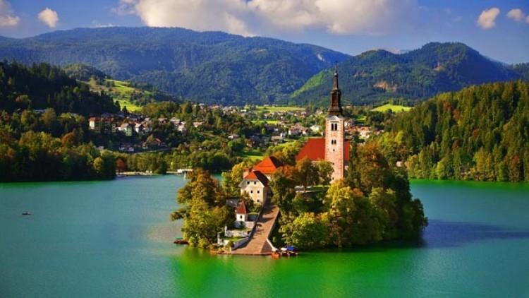 Horvátország után Szlovénia is tárt karokkal várja a turistákat