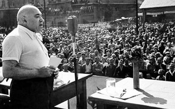 """Hetven évek kezdték meg az """"ellenség"""" eltávolítását a kommunisták"""