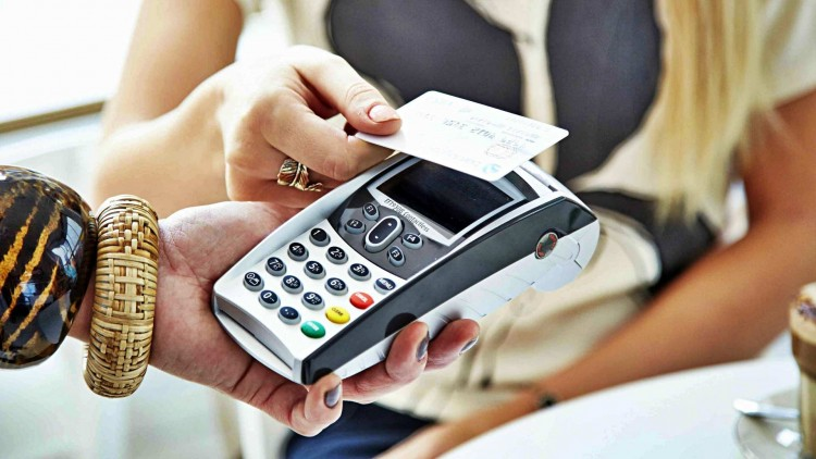 2021-től még több helyen fizethetünk bankkártyával