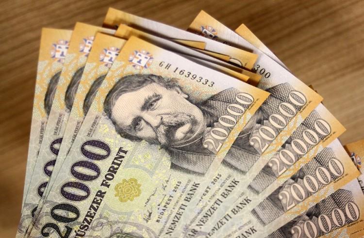 KSH: 258 ezer forint a nettó átlagkereset