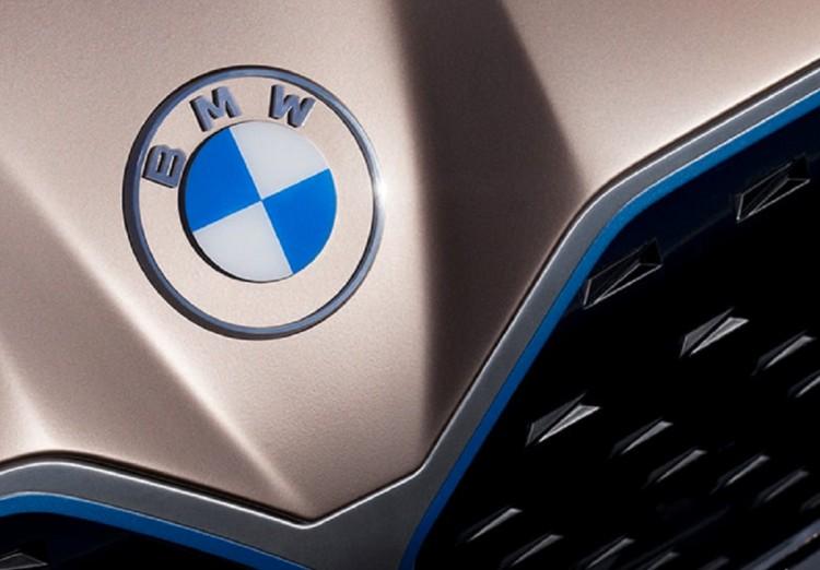 Civil Fórum: a BMW-beruházás nem politikai ügy