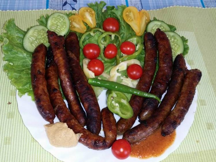 Recept: bajor grillkolbász, házilag, Boros Valitól
