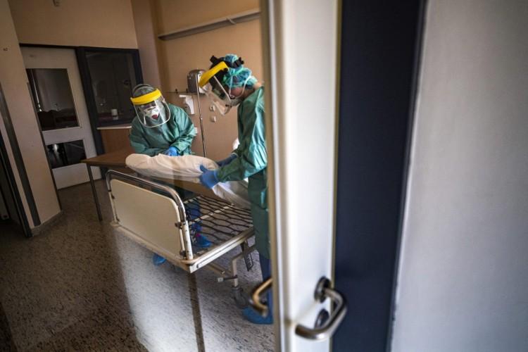 Öt új koronavírusost regisztráltak és meghalt egy 100 éves férfi