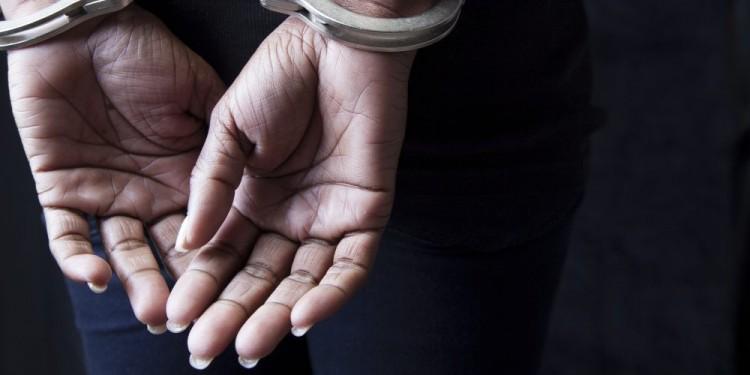Embereket tartott fogva egy nyírábrányi nő és agresszív lánya