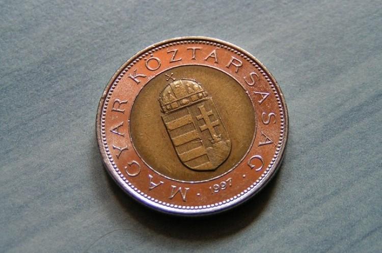 Új 100 forintos érmék jönnek