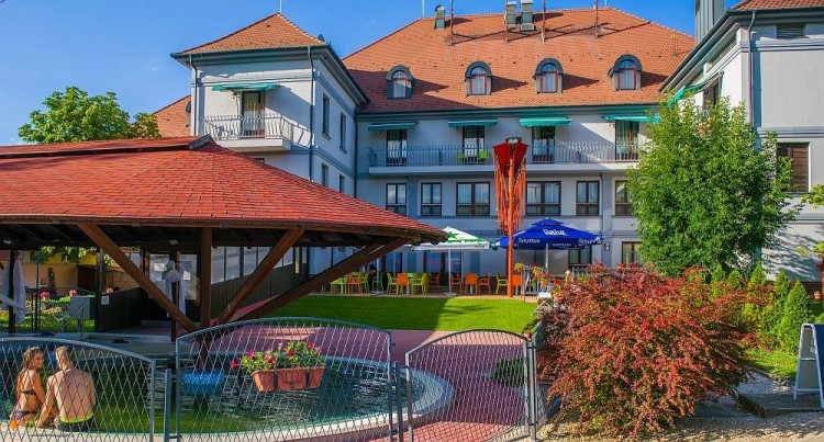 Bérlőt keres Balmazújváros a Hotel Kamillának